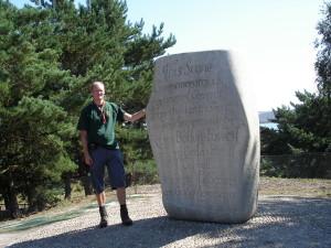 De plek waar het in 1907 begon. Herdenkingssteen op Brownsea Island in augustus 2007.