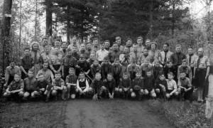 Groepsfoto 1948 - klik op de foto voor een vergroting!