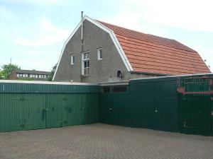 De schuur achter Brinkstraat 347 anno 2005, in de jaren '60 'clubhuis' van onze groep