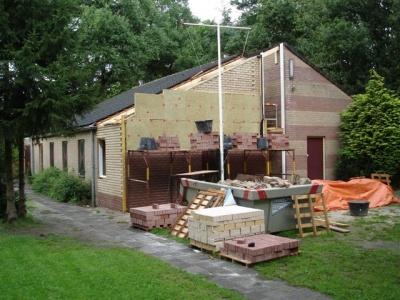 uitbreiding clubgebouw - De binnenmuren zijn gereed (3 september)