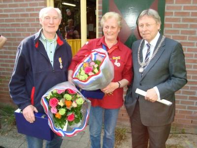 Jubileum 65 jaar Scouting Nanne Zwiep - lintje Bep en Jan Dijkstra